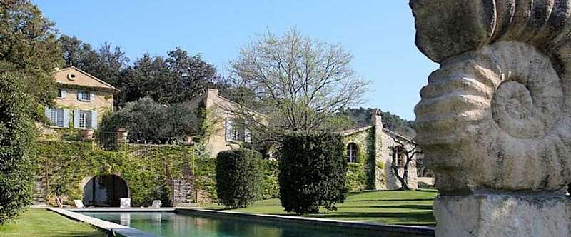 The magnificent Domaine Fontaine sleeps up to 16 in the heart of Provence